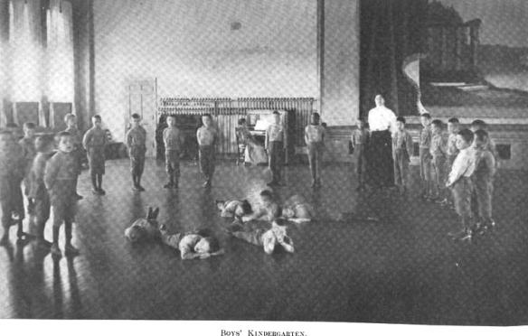 1909-14 Boys Kindergarten